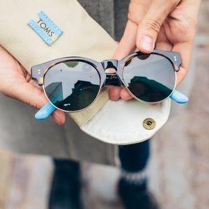 Charlie Rae Tom's sunglasses